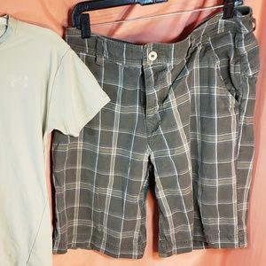 mens north face plaid shorts size 36